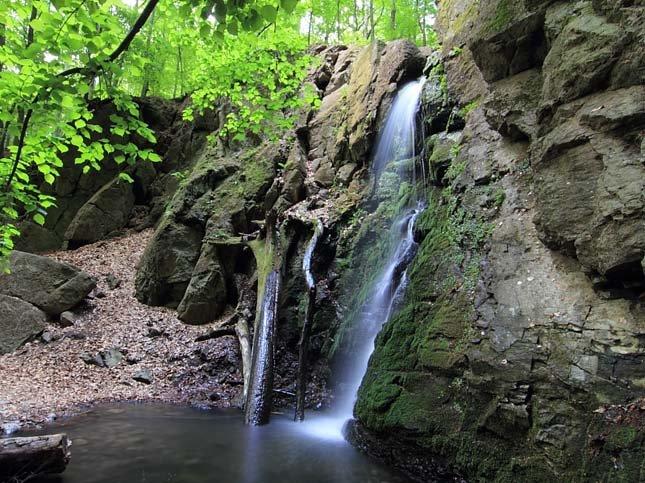 Ilona-völgyi-vízesés2