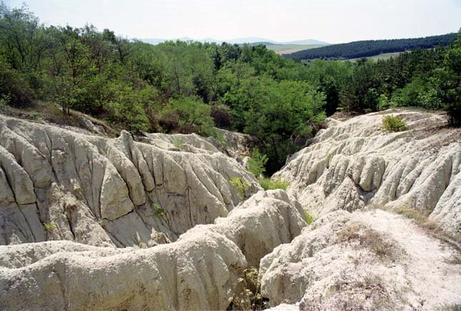 Kazár-riolittufa